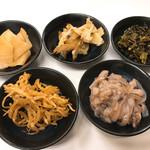 博多天ぷら なぐや - 塩辛以外は食べ放題です。