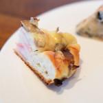 ワイン食堂 ル・プティ・マルシェ - キノコベーコンチーズパン
