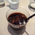 モダンカタランスパニッシュ ビキニ - アイスコーヒーがおいしいとは!