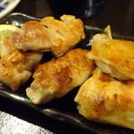 十三屋 大光 - 地鶏手羽塩焼き(350円)