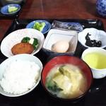 ビジネスホテル鶴 - 料理写真:ビジネスホテルの朝食