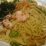 64204370 - 麺アップ(桜海老と雲丹の白醤油仕立て)