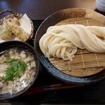 うどん家 一 - 料理写真:【2017/3】肉煮干しつけうどん+ちくわ天