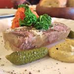 64206761 - ランチ前菜・テットド.フロマージュ(豚の煮こごり)