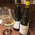 64207227 - ワインはペアリングで。最初は白ワイン。