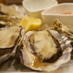 バル OTTO - 室津産の牡蠣、相生、坂越とほぼ同じエリアの牡蠣です(2017.3.20)