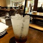 ラシーヌ ミートボールアンドローカル テーブル - 自家製ジンジャーコーディアル680円