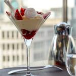 THIERRY MARX dining - 赤い果実のティラミスパフェ