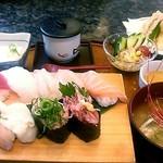 でかねた寿司 - 特上ランチ(1,370円)