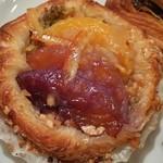 ル コション ドール - 料理写真:スパイスワイン漬けオレンジのデニッシュ