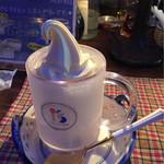 64216905 - ソフトクリームはカップに入ってきますん
