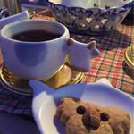 ミルク村 - お口直しのコーヒーと焼き菓子