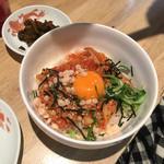 豚骨ラーメン銀水 - ミニ肉キムチ丼
