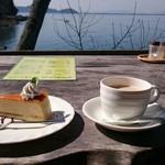 シャーレ水ヶ浜 - 琵琶湖畔のテラスで