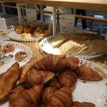 イケア レストラン - パンのコーナー