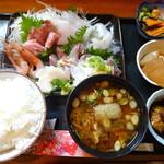居酒屋ちよ - 料理写真:さしみ定食