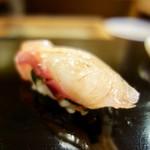 64227669 - [2017/03]寿司② 真鯛昆布締めの握り しそ