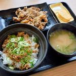 吉野家 - 鶏そぼろ飯と、牛皿並盛
