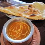 フルバリ アジアン - 豆カレーと、バリッとナン