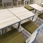 リリーカフェ - テーブル席