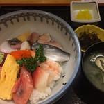 お食事処 さくら - 海鮮丼