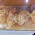 64242040 - 羽根つき餃子は美味い。