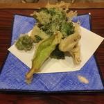 ごきげんさん - 山菜天ぷら盛り合わせ