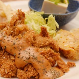 お腹一杯で大満足!!ランチ650円~