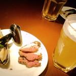 ドールドレス - ベルギービール「プリムス」生&「ムール貝の白ワイン蒸し」と「鴨パストラミ」