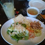 Taverna ViVi ficare - サラダ・ドリンクバー(1020円)