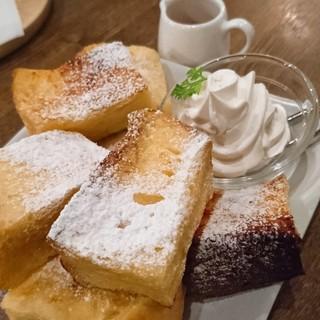 喫茶 ほんまち - 結構沢山お皿に盛り盛り~(*´∀`)