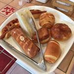 魔法のパン - 料理写真:いろいろ買う。