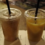 どじはうす - ドリンク写真:オレンジジュースとジンジャーエール