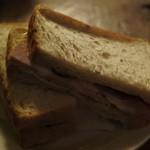 どじはうす - サンドイッチ