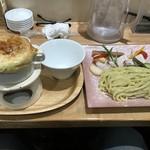 64263415 - パイ包みオニオンスープつけ麺