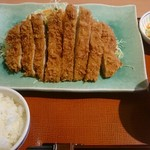 柿ェ門 - 料理写真:ジャンボロースかつ定食(税込み1449円)