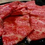 大衆肉料理 大幸 - 国産牛のカルビが650円。