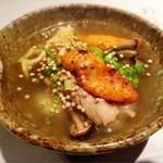 64269138 - 鶏とキノコのスープ