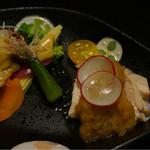 山しのぶ - 蒸し鶏 みぞれがけ   野菜酢味噌添え