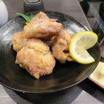 しろなべ吉 - 水炊きの唐揚げ 680円