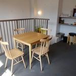 かまくら むすび茶屋 - 2階テーブル席