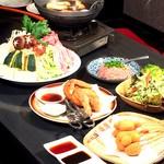 食蔵雷峰 - 料理写真:ちゃんこ鍋のコースの一例です。