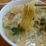 ラーメンya - 麺はこの感じです。