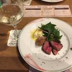 64283035 - 2017.3.4  国産牛とサルシッチャのグリル&白ワイン