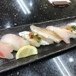 ジャンボおしどり寿司 - 料理写真:地魚づくし