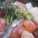 漁師寿司 海蓮丸 - 海鮮丼、アップ!