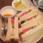 Fruit Cafe Saita!Saita! -