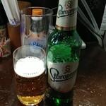 粉ひで - 輸入ビールもあります。新しく入れてたりもするのでチェックするのも楽しみ。