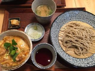 蕎麦と鶏 はんさむ 下北沢 - 親子丼蕎麦セット、880円。