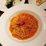 健康菜園サラダビュッフェ ナポリの食卓 - 料理写真:サラダ、ピザ、アマトリチャーナ